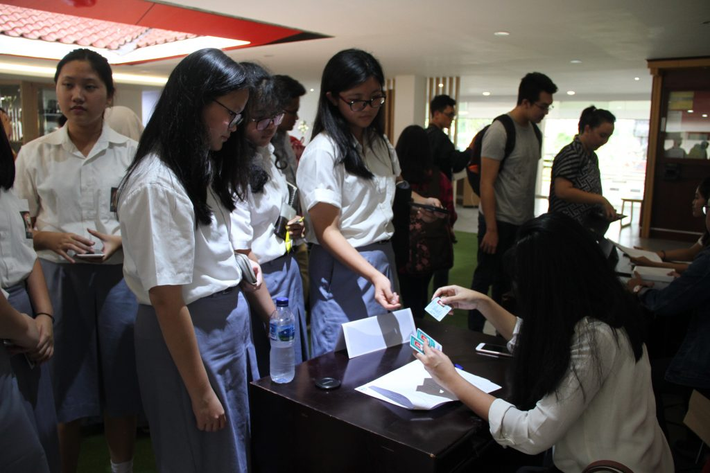 Registration of Debate